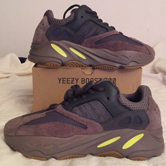 "info for 41fb0 e23d5 Adidas Yeezy Boost 700 Wave Runner "" Mauve """